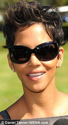 halle berry short haircut 1000 images about on 1539 | 9a9b9704e11e9bda31f24879a0f5ae4a