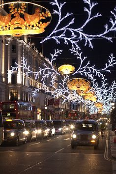 London, Regent Street Christmas Lights - want to go and see it! London Christmas, Noel Christmas, Christmas Lights, Xmas, London City, London Eye, Illumination Noel, Places To Travel, Places To See
