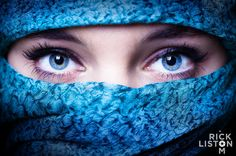 This post is a part of our weekly photography inspiration series. Each Friday we feature some of the most professional and amazing photographs captured by talented photographers from all around the wo. Beautiful Muslim Women, Beautiful Hijab, Gorgeous Eyes, Beautiful Eyes, Niqab Eyes, Arabian Eyes, Aesthetic Eyes, Arabic Makeup, Profile Picture For Girls