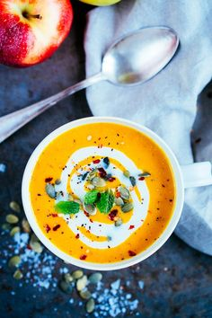 Morotssoppa med curry och ingefära (via Bloglovin.com )