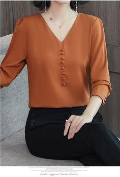 Ideas For Sewing Clothes Women Tunics Sleeve Tunic Designs, Kurta Designs, Sewing Clothes Women, Tunic Pattern, Blouse Dress, Blouse Styles, Blouses For Women, Chiffon Tops, Chiffon Shirt