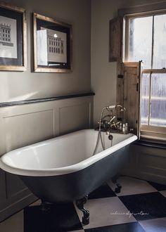 The weeks have flown by in a whirl, ladie. Victorian Bathroom, Vintage Bathrooms, Grey Bathrooms, Italian Home Decor, Rustic Italian, Glamorous Bathroom, Bathroom Trends, Bathroom Ideas, Nautical Bathroom Decor
