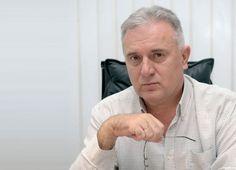 Е-новине позвале на убиство Ратка Дмитровића - http://www.vaseljenska.com/drustvo/e-novine-pozvale-na-ubistvo-ratka-dmitrovica/