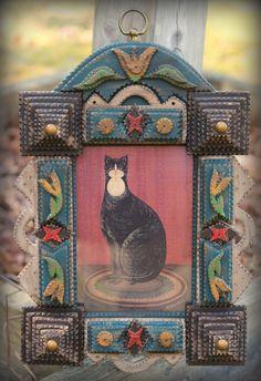 Lacey Tulip Tramp Art Frame 5 x 7 by folk artist Angie Dow Arte Popular, Outsider Art, Urban Art, Cat Art, Art Forms, Unique Art, Framed Art, Folk Art, Art Decor