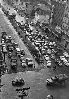 Rua da Consolação já duplicada em 29/5/1968. Esquina da Avenida Paulista (em primeiro plano). Foto Diario de S. Paulo