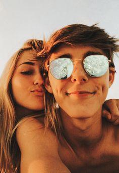 Teen Couple Pictures, Couple Goals Teenagers, Cute Couples Photos, Cute Couples Goals, Couple Photos, Relationship Goals Pictures, Cute Relationships, Boyfriend Goals, Future Boyfriend