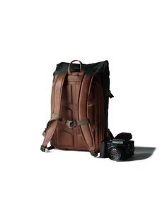 compagnon photo camera backpack dark green canvas & leather