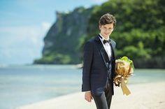 花嫁よりも注目の的!? 近年増加のオシャレ花婿にオススメのタキシード|ウェディングの最新情報をお届け!ブライダルニュース|マイナビウエディング