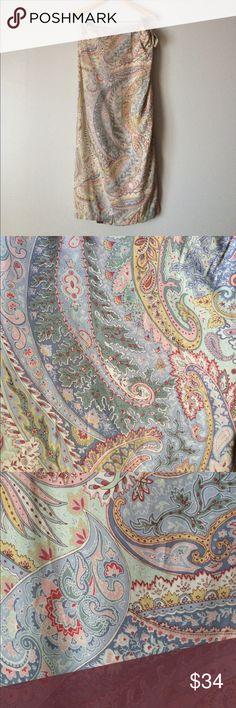 """Sale💕NWT Liz Claiborne skirt wrap paisley 14 NWT Liz Claiborne wrap skirt pretty paisley 100% rayon. Short side sash. Waist 32""""35"""" Wait to hem 37"""" Size 14 Liz Claiborne Skirts Midi"""