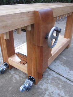 So many good ideas on this bench! For more woodworking tips visit http://www.handymantips.org/category/woodworking/