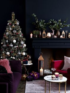 Doze of inspiring Christmas interiors by Elkie Brown | PUFIK. Beautiful Interiors. Online Magazine