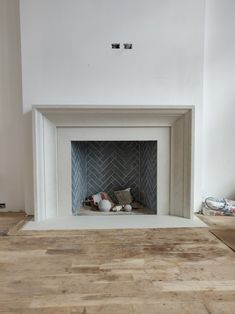 Wood Fireplace Surrounds, Stone Fireplace Mantel, Classic Fireplace, Simple Fireplace, Fireplace Shelves, Concrete Fireplace, Bedroom Fireplace, Fireplace Remodel, Marble Fireplaces