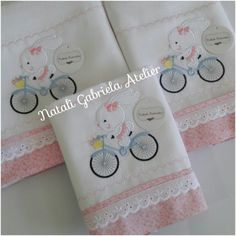 Baby Applique, Baby Embroidery, Embroidery Monogram, Baby Sewing Projects, Sewing Projects For Beginners, Baby Sheets, Baby Burp Cloths, Free Machine Embroidery Designs, Baby Crafts