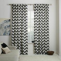 cortinas en blanco y negro