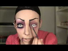 evil doll make-up for Halloween tutorial. she speaks Norwegian but this is a cool tutorial