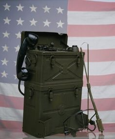 Galvin Manufacturing Corporation (Motorola) walkie-talkie backpack-style FM portable two-way radio, model SCR300, circa 1943