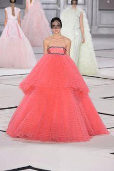 Défilé Giambattista Valli printemps-été 2015 Haute couture | Le Figaro Madame