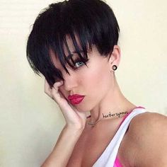 awesome Appealing Short Straight Hairstyle Pics