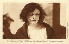 Pola Negri in The Way of Lost Souls (Son dernier tango)