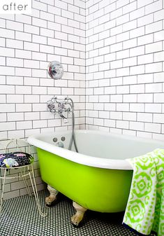 Bathroom white subway tile and penny round tiles with dark grout - maybe not the neon green tub Penny Round Tiles, Penny Tile, Bad Inspiration, Bathroom Inspiration, Master Suite Bathroom, White Bathroom, Modern Bathroom, Bathroom Accents, Small Bathroom