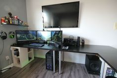 Those are the Vika Amon table tops from Ikea, they come in a variety of sizes and table legs so you can really customize it to your needs. Description from coolcomputersetups.com. I searched for this on bing.com/images