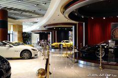 Dream Car Showroom Dream Garage, Car Garage, Showroom Interior Design, High End Cars, Car Museum, Interior Concept, Custom Cars, Dream Cars, Branding Design