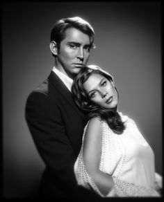 Promotional photo of #LeePace and Anna Friel for #PushingDaisies.