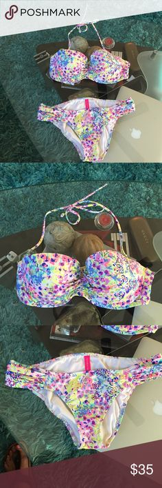 VICTORIA'S SECRET Swimsuit Great condition VICTORIA'S SECRET SWIMSUIT SIZE S/P Victoria's Secret Swim Bikinis