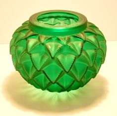 Lalique Vase (1929)