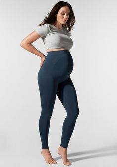 Maternity Leggings Outfit, Cute Maternity Outfits, Stylish Maternity, Maternity Fashion, Maternity Workout Clothes, Maternity Styles, Pregnancy Clothes, Pregnancy Looks, Pregnancy Style