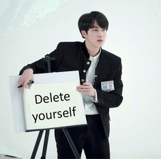 This is a Community where everyone can express their love for the Kpop group BTS K Pop, Bts Meme Faces, Funny Faces, Memes Chinos, Les Aliens, Super Memes, Whatsapp Text, Les Bts, Bts Memes Hilarious