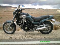 2001 Yamaha FZX 750 motorcycle photo