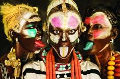 50 Fierce Face Paint Features - From Monochrome Makeup to Bizarre Eyebrow Tattoos (CLUSTER)