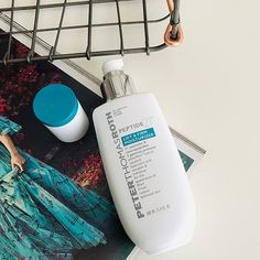 Peter Thomas Roth Peptide 21 Collection Lift & Firm Moisturizer moisturizes to reduce fine lines and wrinkles, dryness, and dullness and uneven texture.
