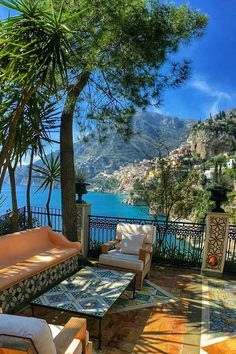 Amalfi Coast Tours in south of Italy by locals. Discover the Amalfi Coast with us by visiting places like Amalfi, Ravello, Capri, Positano. Dream Vacations, Vacation Spots, Vacation Places, Vacation Ideas, The Places Youll Go, Places To See, Siena Toscana, Places To Travel, Travel Destinations
