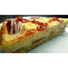 New york baked strawberry cheesecake