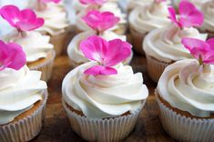 Sparkling Wine Cupcakes with Sparkling Wine Butter Cream | Happy Sugar Funtime