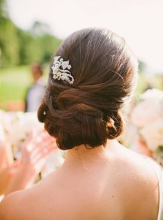 25 Gorgeous Indian wedding hairstyles inspired by Monsoon Indian Wedding Hairstyles, Formal Hairstyles, Mod Wedding, Dream Wedding, Wedding Stuff, Wedding Flowers, Monsoon Wedding, Princess Costumes, Princess Wedding Dresses