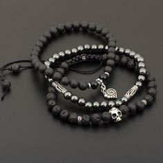 Комплект браслетов из натуральных камней Мертвая голова (лава, шунгит, гематит, агат)