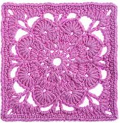 This is a beautiful classic crochet lace granny square. A Few of the 365 Crochet Squares - Crochet Daily - Blogs - Crochet Me
