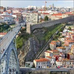 Porto Portugal. #porto #Portugal #douro #old #archidaily #rio #cais #mosteiro #architecture #weekend #visitporto #igersportugal #igersporto #urbanphotography #city #unesco #patrimoinemondial #worldheritagesite #pont #bridge #igers_porto by dineinfr