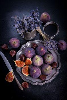 fresh figs by Darius Dzinnik on 500px