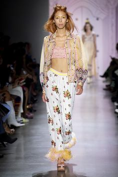 Browse New York Fashion Week Spring 2020 pictures from the Anna Sui runway show. Givenchy, Valentino, Emilio Pucci, Jil Sander, Missoni, Kenzo, Miu Miu, New York Fashion, High Fashion