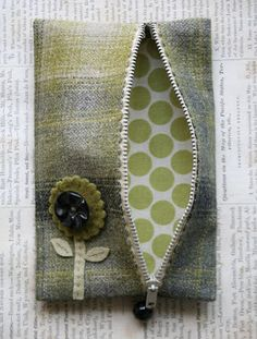 the adventures of bluegirlxo: artful thursdays #14.....zipper purse tutorial