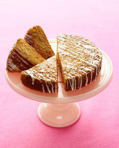 Simple cake recipes including easy chocolate pound cake, lemon Bundt cake, spiced carrot cake, cinnamon coffee cake, and buttery apple cake. Light Desserts, Just Desserts, Easy Cake Recipes, Dessert Recipes, Carrot Recipes, Dessert Ideas, Cheesecakes, Carrot Spice Cake, Carrot Cakes