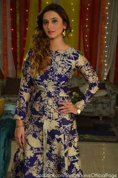 Jaana na dil se door. Shivani Tomar, Shivani Surve, 15 Dresses, Indian Dresses, Long Kurtis, Beautiful Girl Photo, Beautiful Indian Actress, Cool Outfits, Celebs