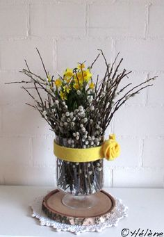 ostern Weiden + Narzissen A New Affordable Therapy for ADD/ADHD All the research over the past 40 ye Easter Flower Arrangements, Floral Arrangements, Flower Drawing Images, Decorative Soaps, Ideas Hogar, Deco Floral, Deco Table, Easter Wreaths, Ikebana