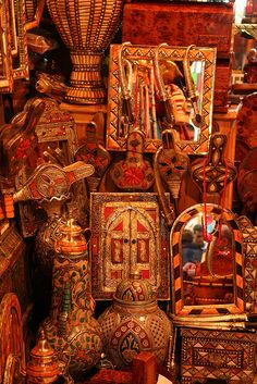 The famed medina of Marrakech is a shopper's paradise, but with literally lots of stores packed right into a maze of small alleyways it could be an amazing experience Moroccan Art, Moroccan Style, Volubilis, Marrakech Morocco, Marrakesh, Morocco Travel, Arabian Nights, North Africa, Beautiful World