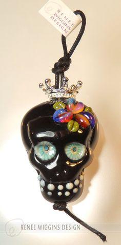 RWD shiny black lampworked glass calavera sugar skull focal bead with handmade… Skull Jewelry, Beaded Jewelry, Glass Jewelry, Wire Jewelry, Jewellery, Clay Beads, Lampwork Beads, Melting Glass, Beads Pictures