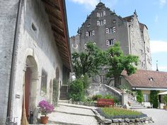 Lovely Castle and gardens between Brugg and Aarau. Geek Style, Fortification, Forts, Geography, Switzerland, Castles, Places To Visit, Gardens, Lady